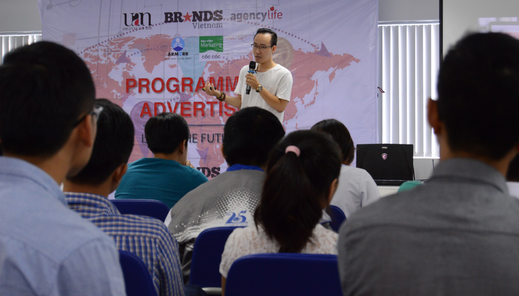 Founder UAN, A. Bùi Quang Tinh Tú chia sẻ trong một seminar năm 2017